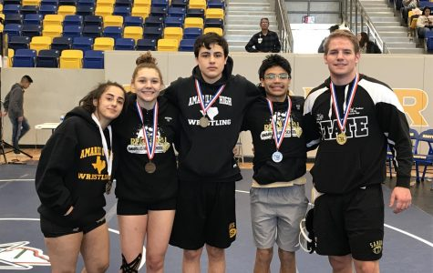 Five wrestlers advanced to the State Meet.